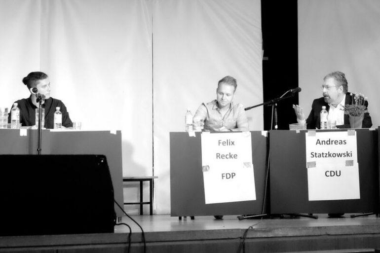 Galerie: Podiumsdiskussion zur Wahl 2016 - slide 10