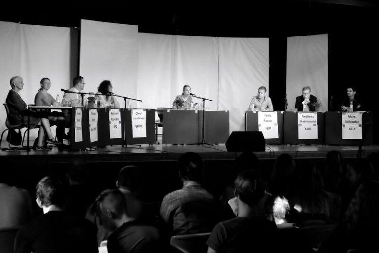Galerie: Podiumsdiskussion zur Wahl 2016 - slide 13