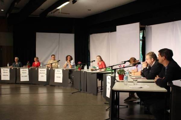 Galerie: Podiumsdiskussion zur Wahl 2016 - slide 1