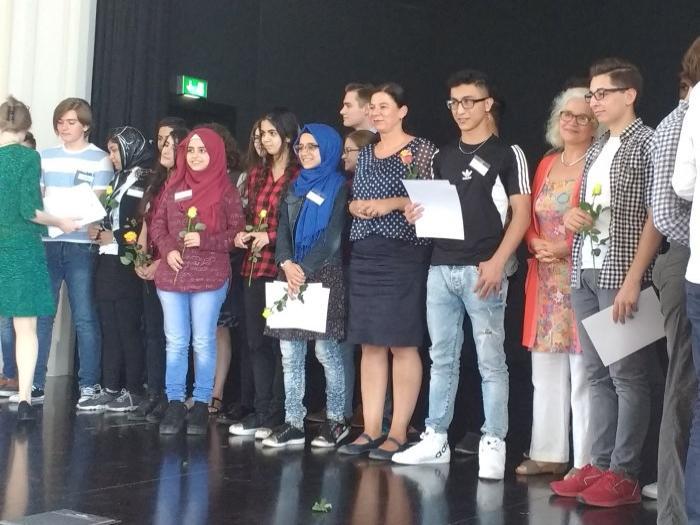 """Dritter Platz bei """"Jugend debattiert in Sprachlernklassen"""" geht an Schüler des Wald-Gymnasiums! - slide 3"""